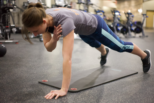 2019_ET_Blog_January_High Plank Left Arm