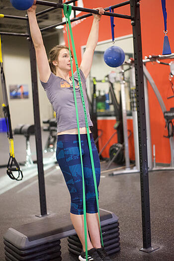 2019_ET_Blog_January_Pull Up Bar with Band - Low