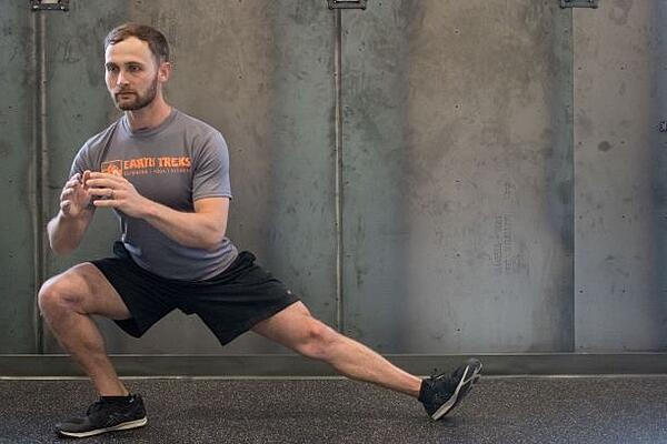 Ski-Prep-Exercises-side-lunge